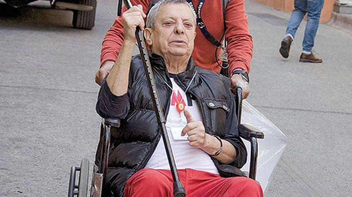 César Bono cuenta el desespero que le provoca el tener que usar silla de ruedas
