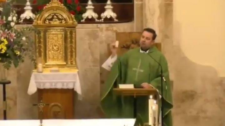 """(VIDEO) Sacerdote español regaña a feligreses por el diezmo: """"Sé quien da y quien no da"""""""