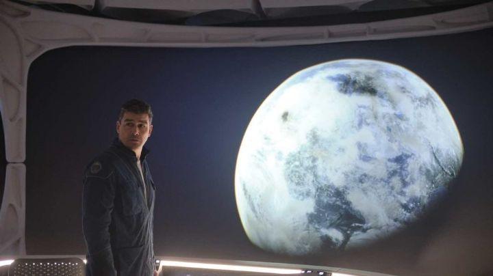 Netflix lanza tráiler de 'Cielo de Medianoche', película que marca el regreso de George Clooney