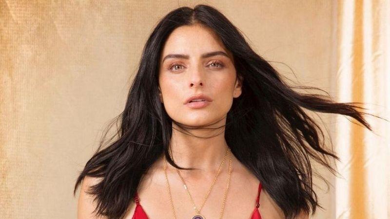 Con atrevido bikini, Aislinn Derbez presume su belleza y escultural figura en Instagram