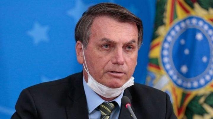 """Jair Bolsonaro pide a brasileños no preocuparse por Covid-19: """"No sean maricas"""""""