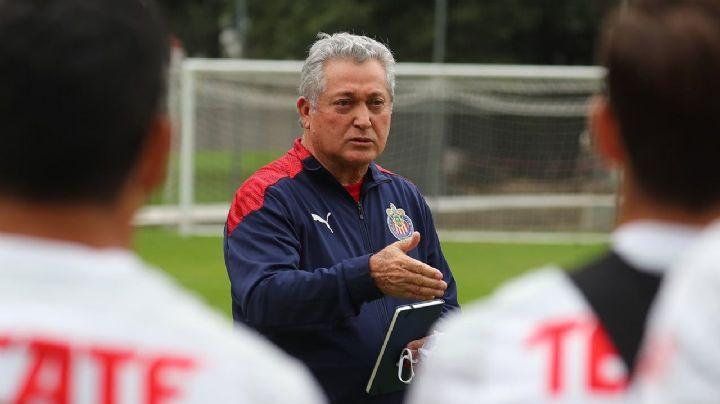 Vucetich está listo para dirigir a Chivas rumbo al repechaje; da negativo a Covid-19
