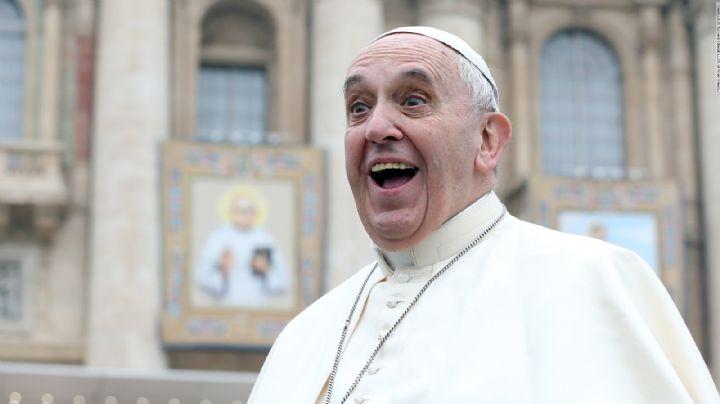 Redes sociales 'explotan' por un like del Papa Francisco a una modelo en bikini