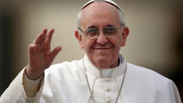 El Vaticano exige explicación a Instagram por el 'Like' del Papa a una modelo en ropa interior