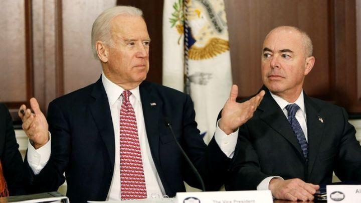 Joe Biden elige por primera vez a un latino para dirigir la Seguridad Nacional