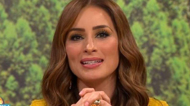 """Tras pasarse de copas, Cynthia Rodríguez exhibe al aire a actor de TV Azteca: """"Él es gay"""""""
