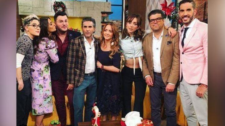 """Sin novia ni compromiso: Conductor de 'Hoy' confirma su soltería y se """"promociona"""" en vivo"""
