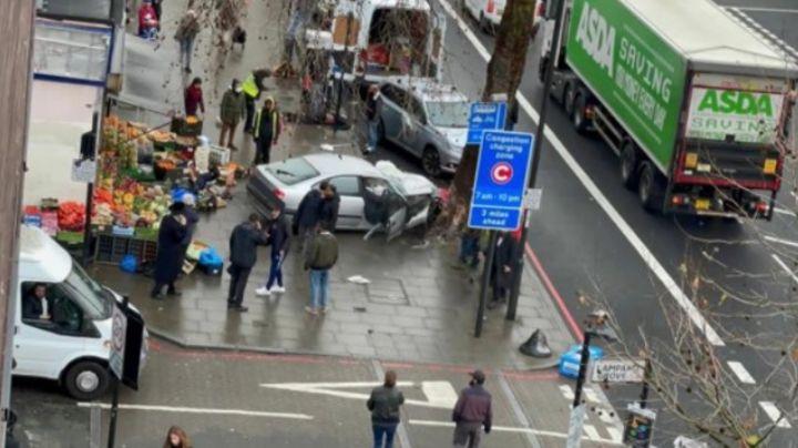 Terror en Londres: Auto embiste a peatones y deja al menos cinco heridos