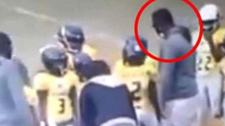 Entrenador de futbol infantil causa indignación al agredir a un niño de 9 años