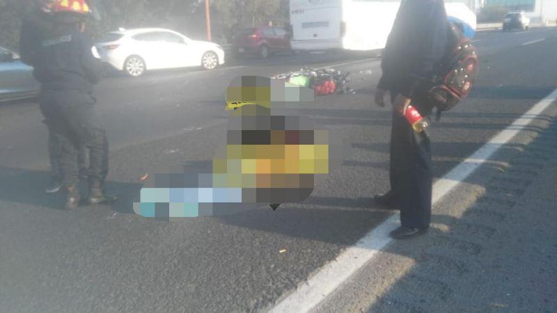 Hombre pierde la vida y otro queda lesionado al derrapar en una motocicleta