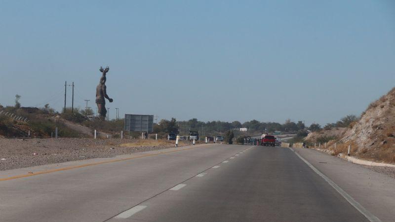 Tras meses tomada: carretera México 15 es liberada en el tramo de Vícam