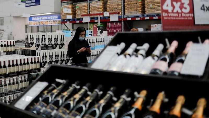 Tras restricciones por Covid-19, autoridades reportan a negocios que venden alcohol en tazas de café