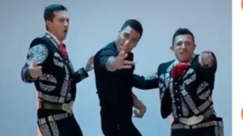Carlos Rivera se une a los charros y pone Instagram de cabeza con vibrante contoneo de cadera