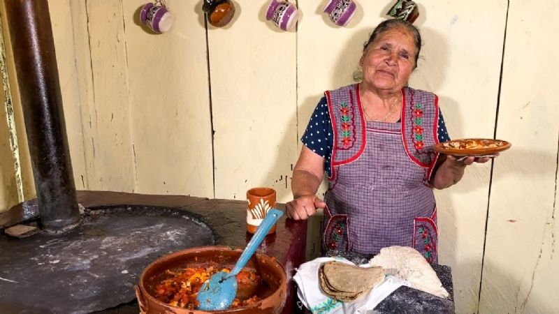 """De mi Rancho a tu Cocina: Doña Ángela prepara """"unos ricos tamales"""" para Navidad"""