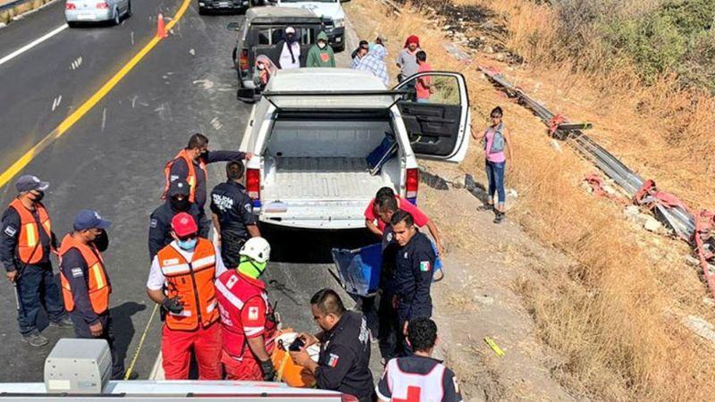 Barranco de la muerte: Auto cae a 120 metros de profundidad y mueren 3 personas