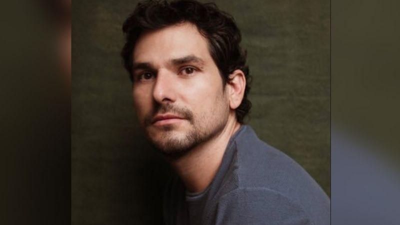 Alan Estrada, actor de Televisa, estalla y denuncia a su papá por armar fiesta en plena pandemia