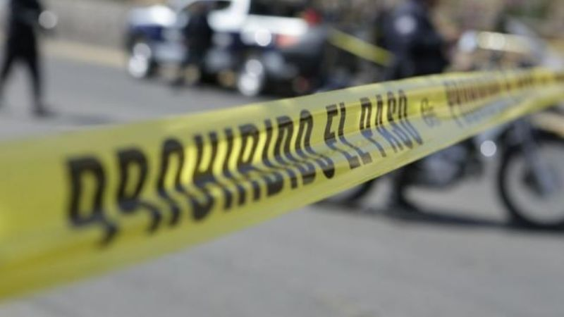 ¡A sangre fría! Sujetos en motocicleta ejecutan a balazos a hombre de 30 años