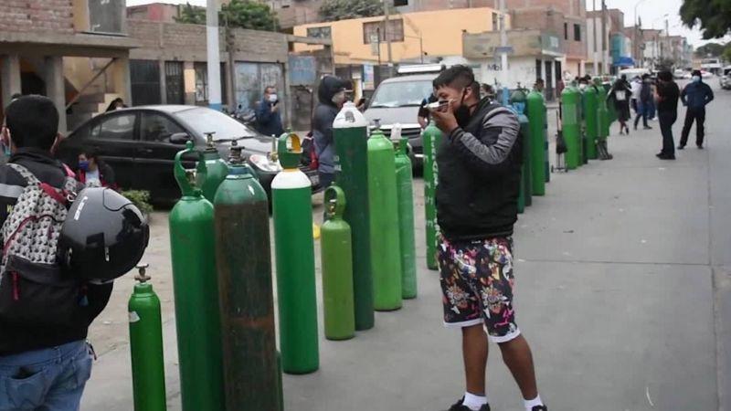 VIDEO: Captan enormes filas de personas para adquirir tanque de oxígeno en CDMX