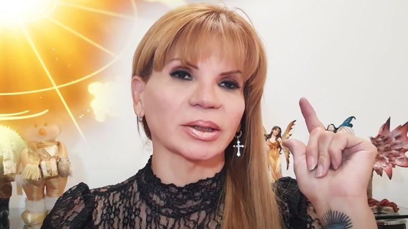 Mhoni Vidente asegura que famoso cantante mexicano saldrá del clóset pronto