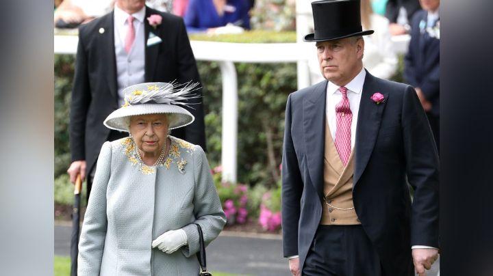 Tras meses 'desaparecido', hijo de la Reina Isabel II es captado al llegar al hogar de su madre