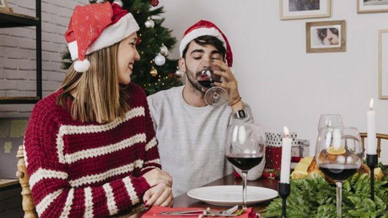 ¡Cuidado! Beber demasiado alcohol en Navidad podría provocar fuertes problemas de pareja