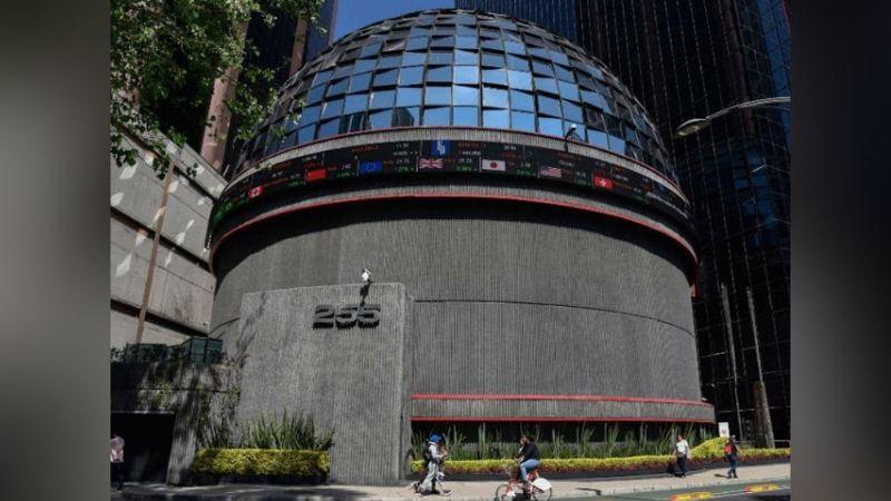 Bolsa Mexicana de Valores sufre caída tras el anuncio de semáforo rojo en CDMX y Edomex