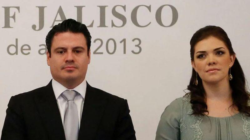Viuda de Aristóteles Sandoval acude a reconocer el cuerpo del exgobernador de Jalisco