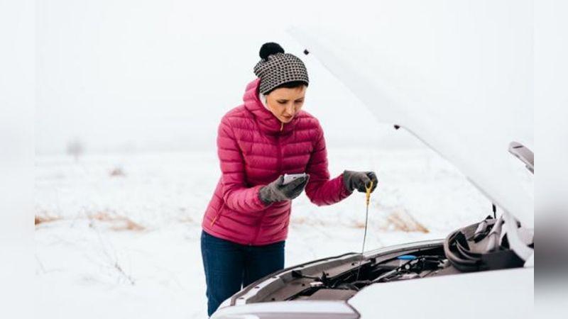 ¿Calientas tu auto antes de usarlo por los días fríos? Puede no ser necesario