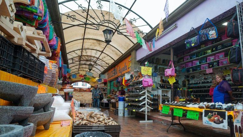 Ayuntamiento de Tijuana cierra accesos a mercado y central de abasto por desobedecer lineamientos