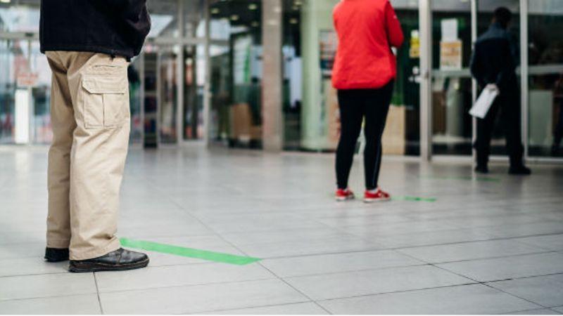 Fallida 'sana distancia': Detectan partículas del Covid-19 a casi 5 metros de un enfermo