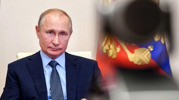 Vladimir Putin ordena iniciar con vacunación contra Covid-19 en Rusia
