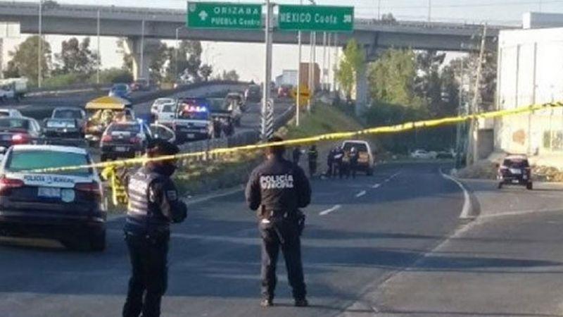 Fuerte choque en carretera de Puebla causa muerte de tres personas prensadas