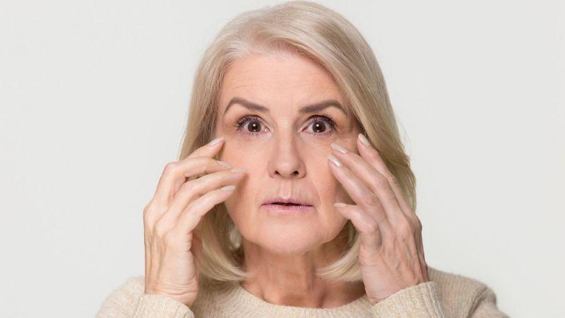 Malos hábitos que envejecen más rápido el rostro y que hacer para evitarlos