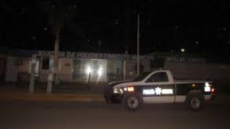 Comando irrumpe en Jefatura de Policía de Empalme para privar de la libertad a dos