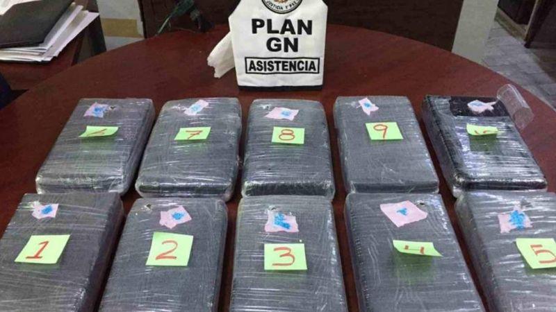 10 paquetes de cocaína son abandonados en bote de basura del Aeropuerto de la CDMX