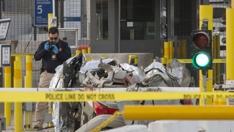Conductor atropella a cuatro y muere tras estrellarse en garita San Ysidro