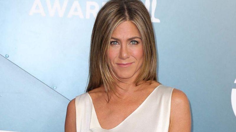 Jennifer Aniston se apodera de las redes sociales y causa furor por su belleza