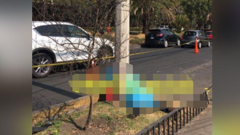 Sujeto pierde la vida al impactarse contra un poste mientras tripulaba una motocicleta de lujo