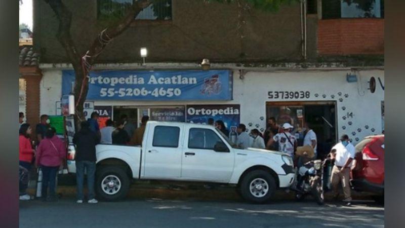 Habitantes de Naucalpan abarrotan negocio para adquirir oxígeno ante una escases