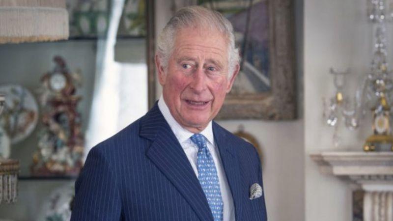 El Príncipe Carlos debuta como 'actor' con grandes figuras de Hollywood para Navidad