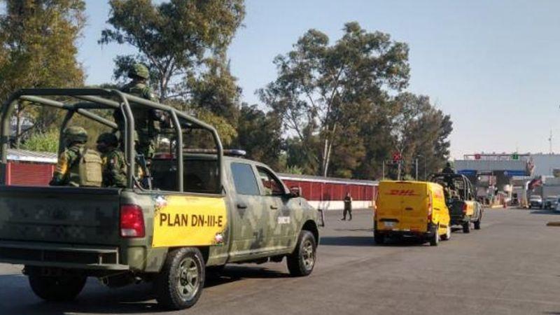 Reportan que elementos de Sedena trasladaron vacuna contra Covid-19 a Querétaro