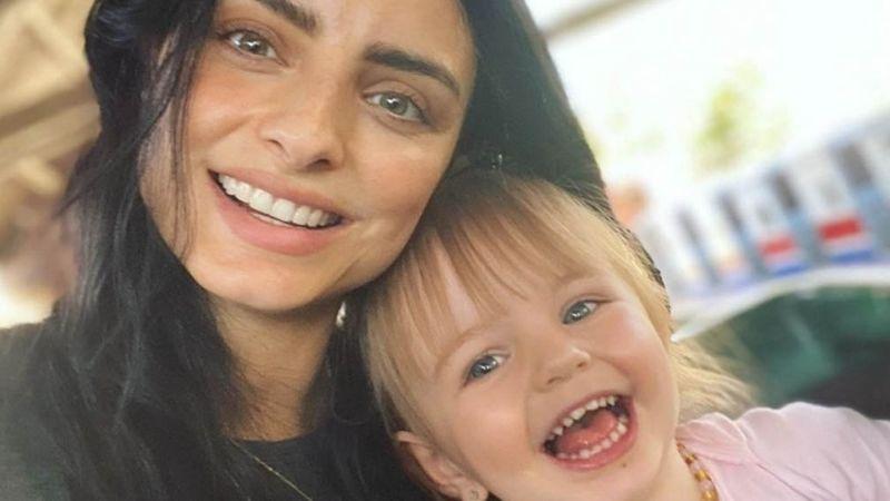 Aislinn Derbez conmueve a todos sus seguidores al jugar con su hija, Kailani