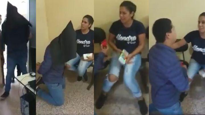 VIDEO: Hombre finge su arresto y le propone matrimonio a su novia en la comisaría