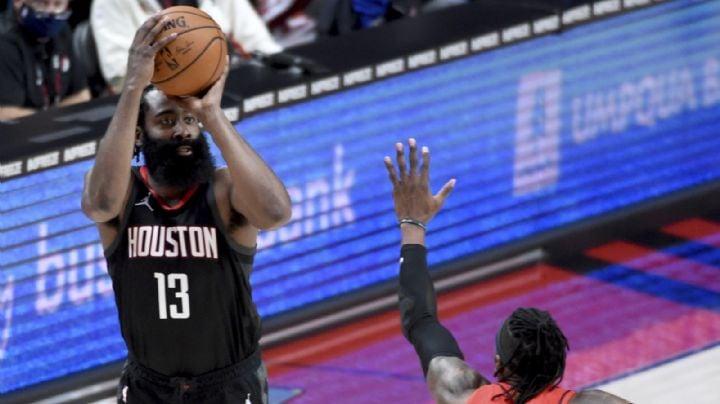 NBA multa a directivo de 76ers por tuit en contra de James Harden