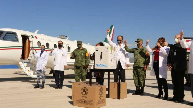 Nuevo lote de vacunas contra Covid-19 llega a Nuevo León y Sedena lo recibe