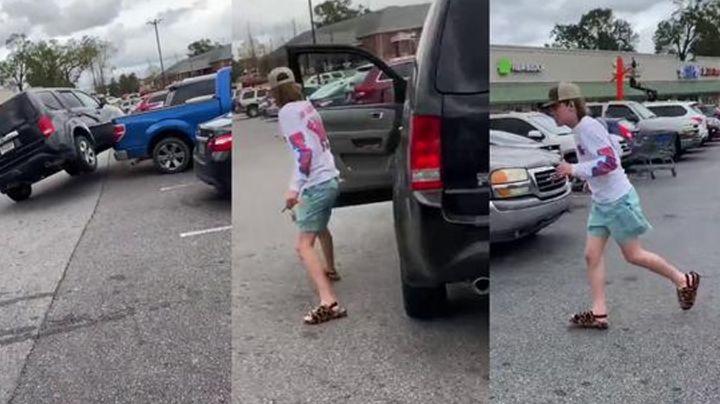 Conductor inexperto ocasiona choques múltiples en estacionamiento y se da a la fuga