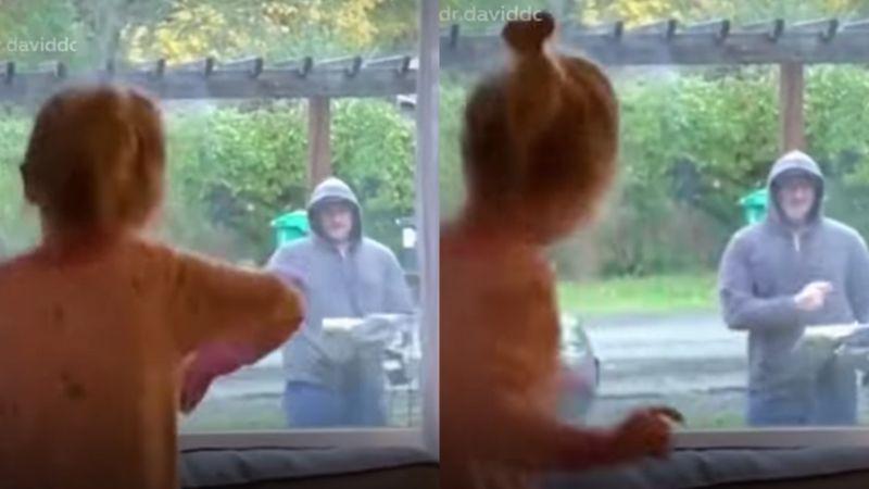 VIDEO: Cartero enternece al realizar dulce rutina de baile con niña de 3 años