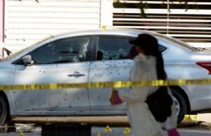 Sinaloa: Asesinan a jefe policiaco en Culiacán con al menos 100 disparos