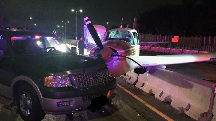 VIDEO: Avioneta choca con camioneta al aterrizar de emergencia sobre autopista
