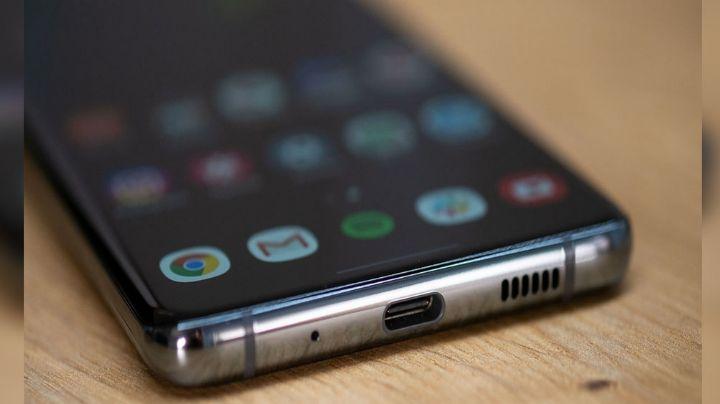 Apple, Xiaomi y Samsung: Estos son los dispositivos que no incluyen cargador